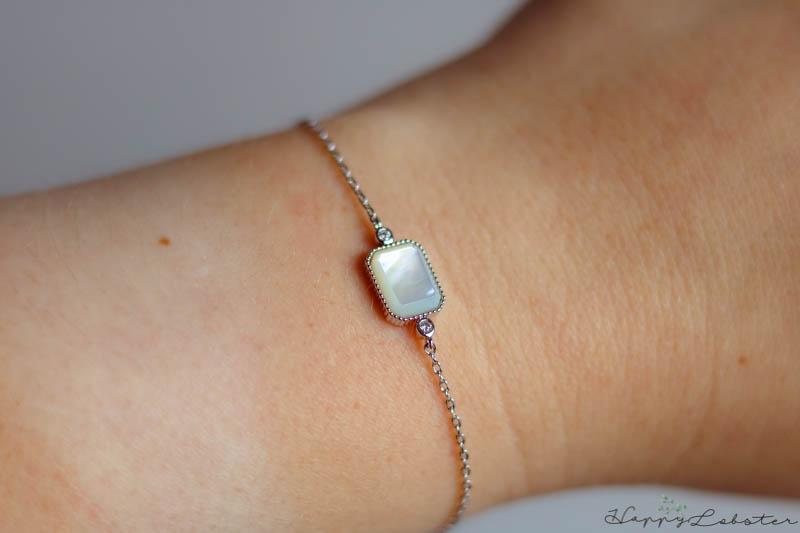 Box bijoux, bracelet panacéa porté